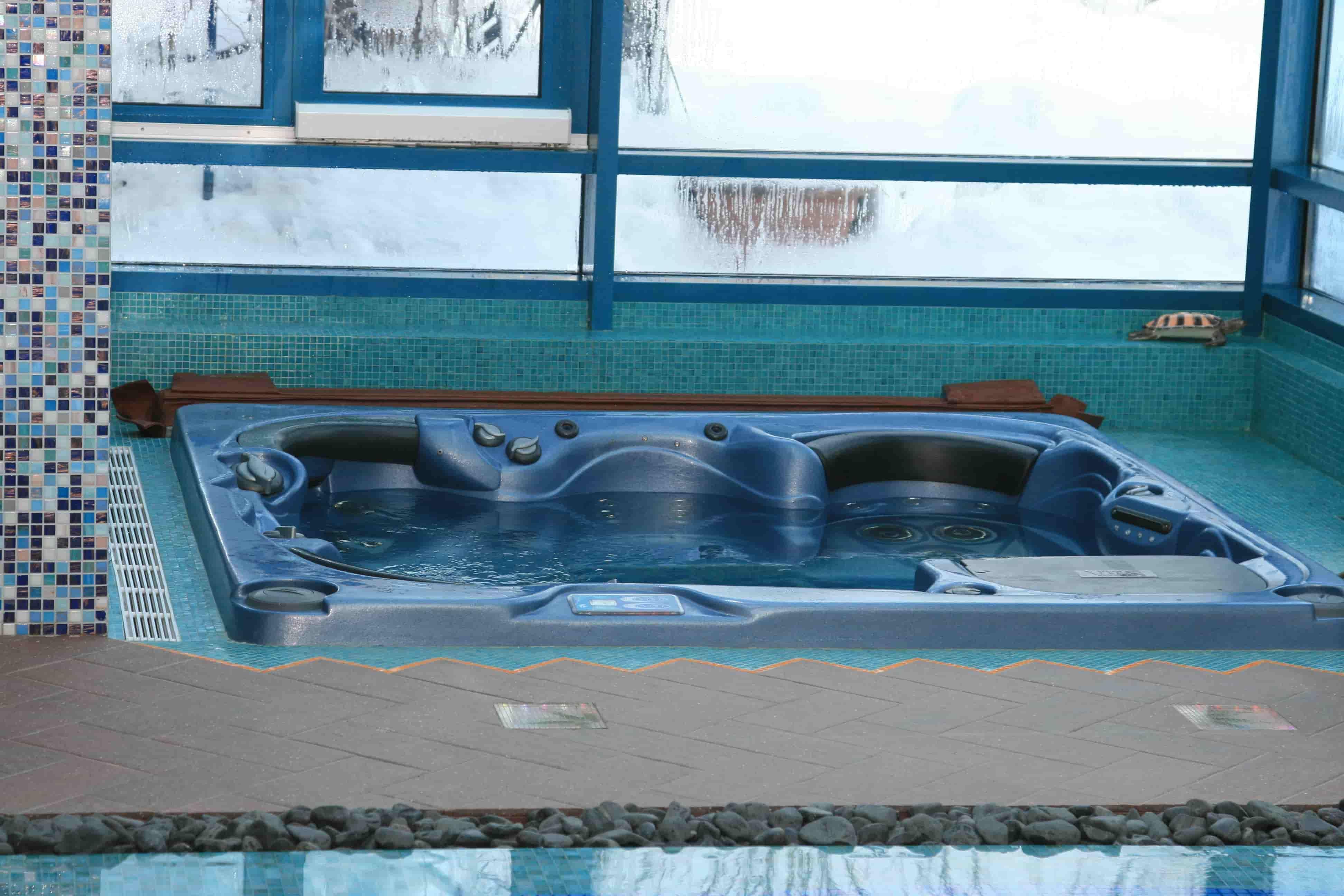 обслуживание бассейнов в Москве и Московской области