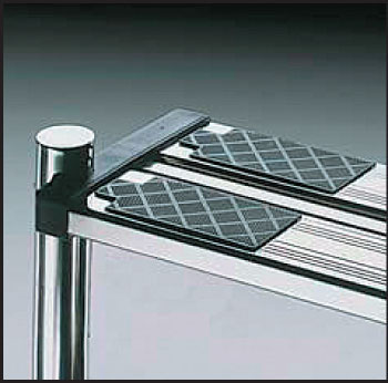 Лестница РОЛЛИ 3 ступени, нижняя часть, ступени с противоскольз. накладками, верхная ступень двойная