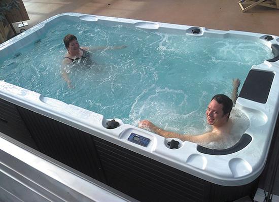 Гидромассажный бассейн Swimspa Aquatic 1 4,00 X 2.28 х 1,26 м