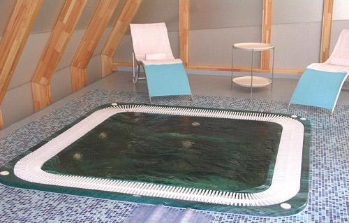 Гидромассажный бассейн Venecia с освещением, без покрытия