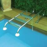 Как выбрать лестницу для бассейна