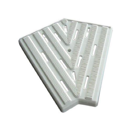 Угловой элемент переливной решетки 240 мм, 45 гр., белый, полипропилен